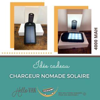 Hello ! ☀ . 🍀 Idée cadeau pour les fêtes : . Batterie de secours universelle avec un panneau solaire et lampe puissante. Peut se recharger à la fois par USB et par l'énergie solaire. Double sortie USB universelle permettant de recharger jusqu'à 2 équipements simultanément. Livré avec un câble micro USB. Type de batterie : Lithium polymère. Capacité de la batterie : 4000mAh. Panneau solaire : 5.OV, 200mA. Puissance des LED : 2,4W. . Prix en magasin : 34€95 . À très bientôt, . Carole-Anne ⛺ . Retrouvez-nous : 117 rue des orchidées, 42155 LENTIGNY 📞 04 28 72 01 05 🛒 Achetez en ligne : www.hello-van.com . . . . #noël #cadeau #chargeurnomade #solaire